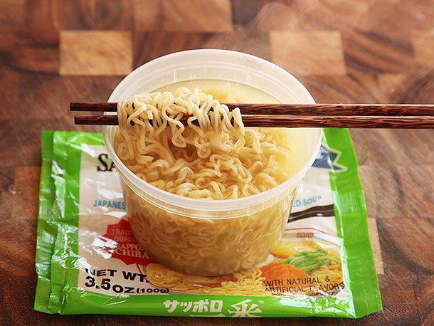20130917-chicken-instant-ramen-taste-test-9.jpg