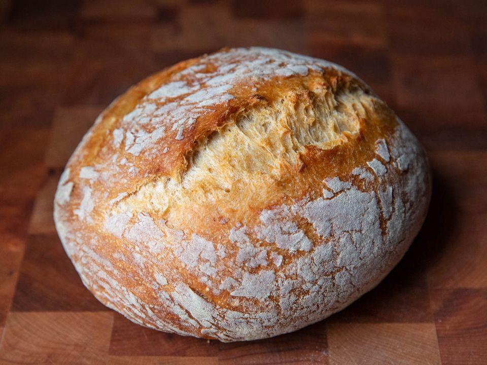 20200419-no-knead-bread-vicky-wasik2