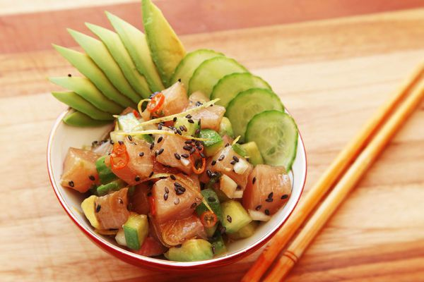 20160608-poke-tuna-hamachi-octopus-salmon-hawaii-recipe-11.jpg