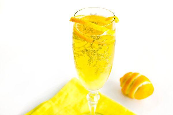 20140730-sparklingsuze-cocktail-elana-lepkowski copy.jpg