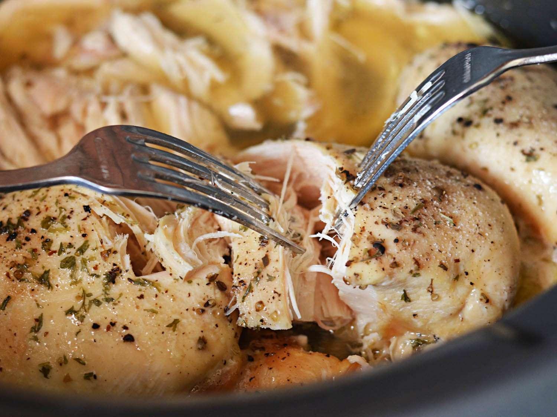 20150219-slow-cooker-chicken-cordon-bleu-dip-shredding-chicken-morgan-eisenberg.jpg