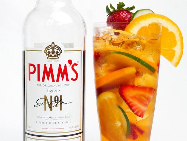 Pimm's with fruit slices