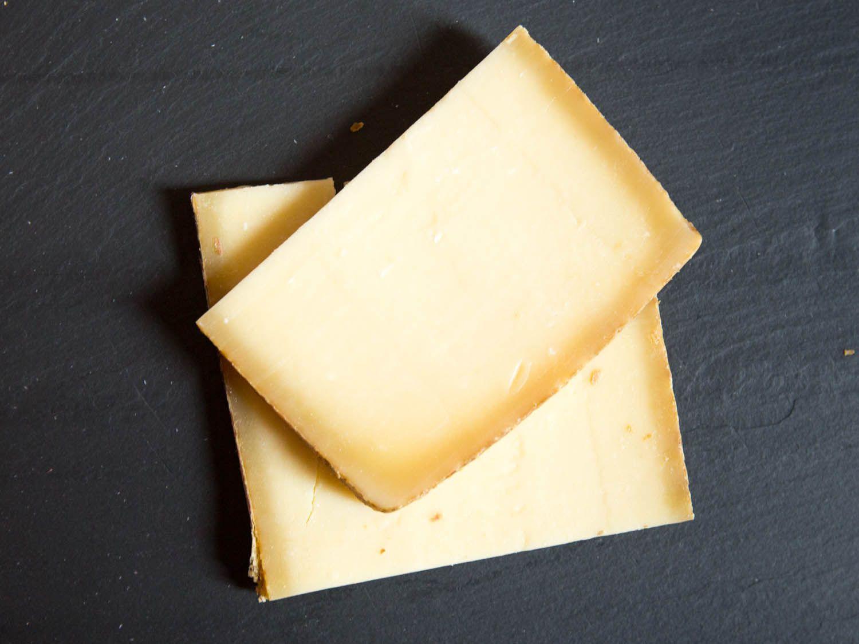 20140804-cheese101-alpines-Gruyere-vicky-wasik-2.jpg