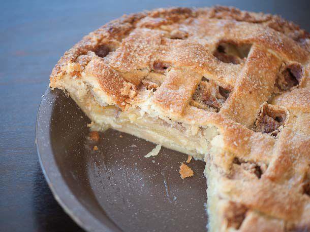 20121107-228942-creme-fraiche-apple-pie-610x458-1.jpg