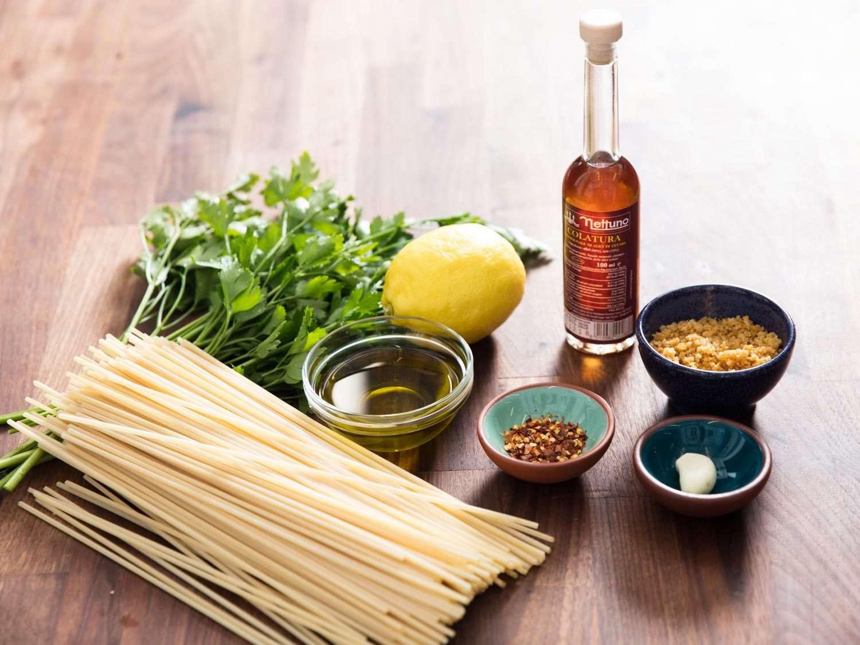 Ingredients for pasta con la colatura.