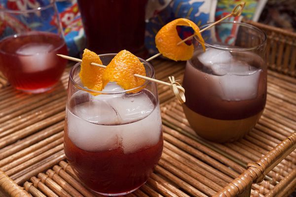 20150629-SparklingPomegranateCocktail-cocktails2-Elana-Lepkowski.jpg