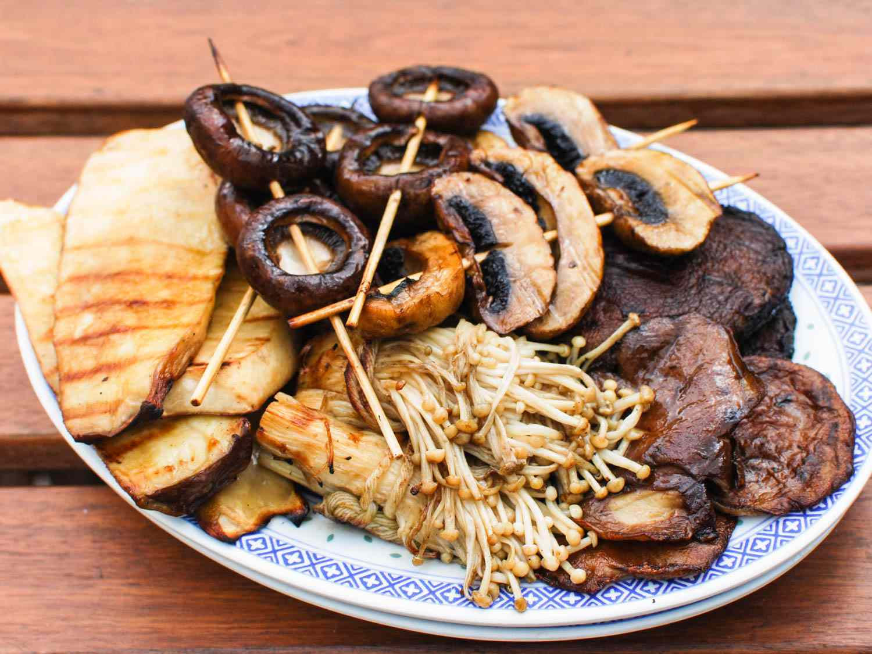 06182015-grilled-mushrooms-sesame-dressing-shaozhong-11.jpg