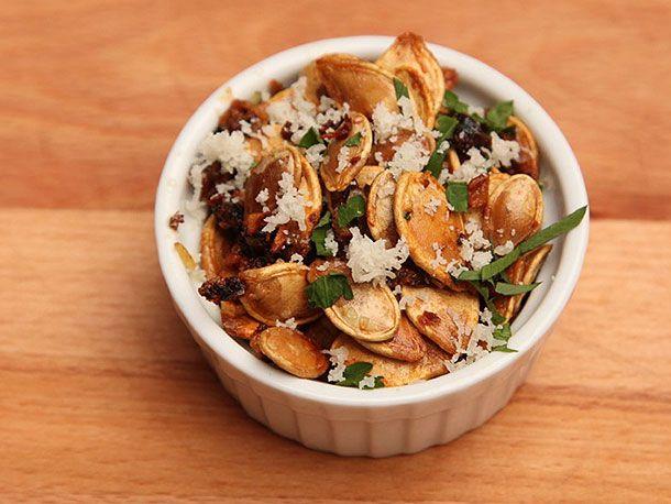 Pumpkin Seeds With Garlic and Parmesan