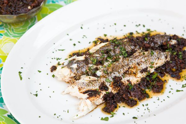 20140714-how-to-grill-whole-fish-vicky-wasik-10.jpg