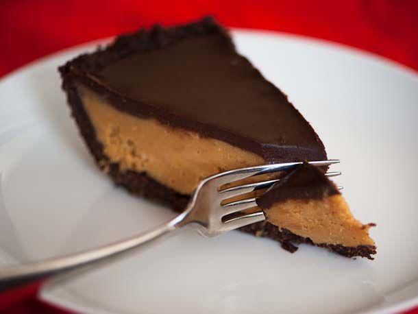 20121017-226668-peanut-butter-cup-pie-610x458-1.jpg