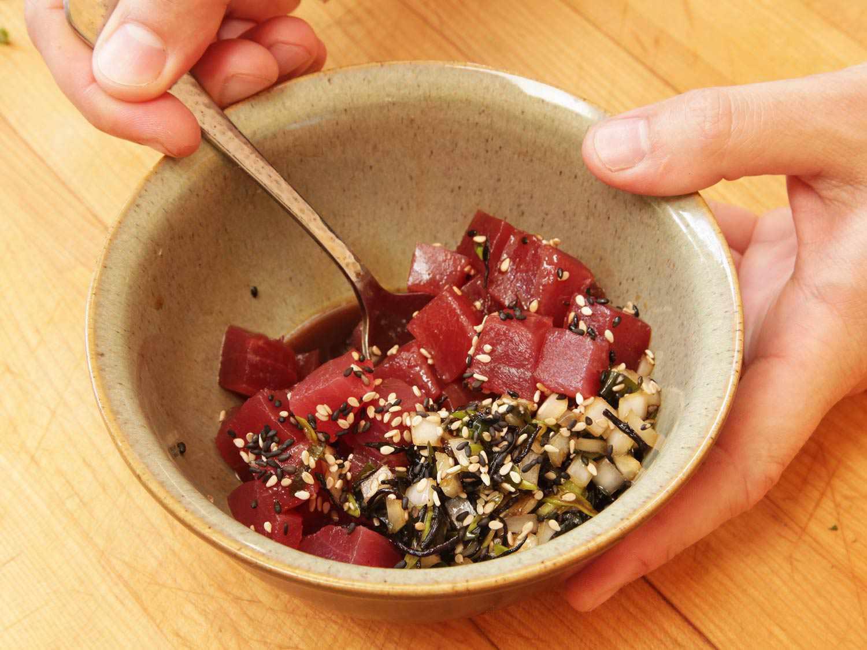20160608-poke-tuna-hamachi-octopus-salmon-hawaii-recipe-05.jpg