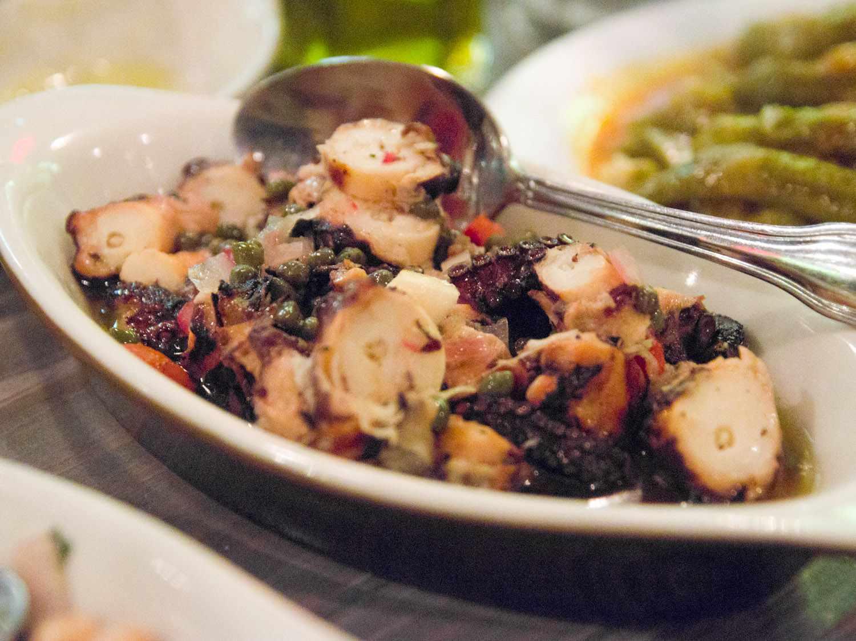 20141103-e-taverna-octopus-max-falkowitz.jpg
