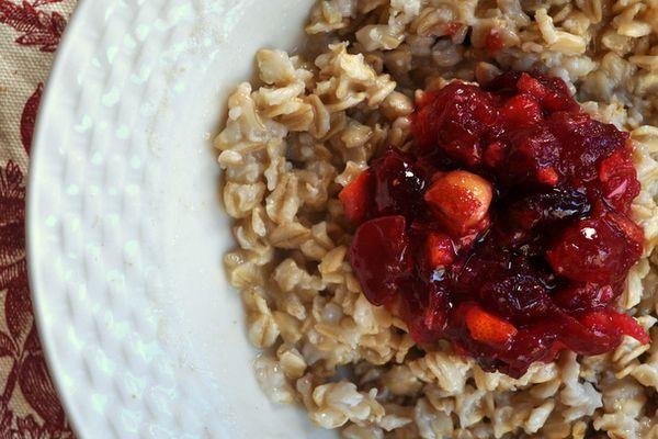 20131022-wakeandbake-oatmeal-cranberry-orange-compote2.JPG