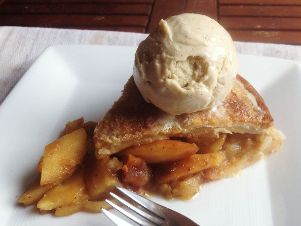 20130323-anna-apple-pie-vanilla-ice-cream-slice.jpg