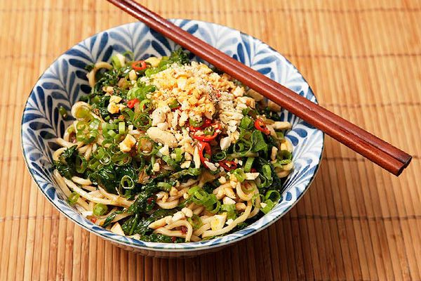 20120826-spicy-noodles-with-spinach-recipe-1.jpg
