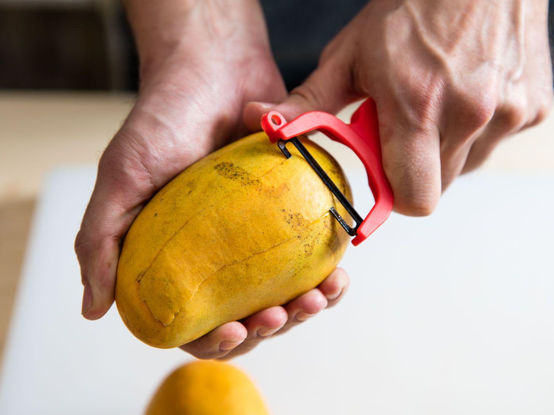 20160323-cutting-mango-vicky-wasik-5.jpg