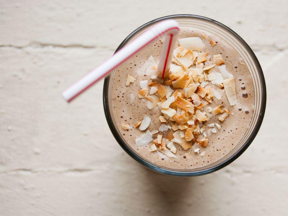 20140528-coffee-banana-hazelnut-shake-primary.jpg