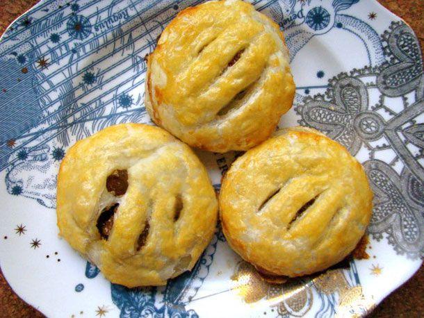 04252012-202444-british-bites-eccles-cakes-primary.jpg