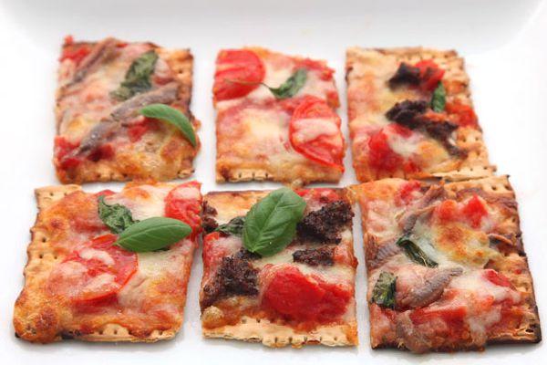 20130315-matzoh-pizza-2.jpg