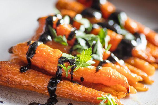 20170712-roasted-carrots-black-sesame-vicky-wasik-3.jpg