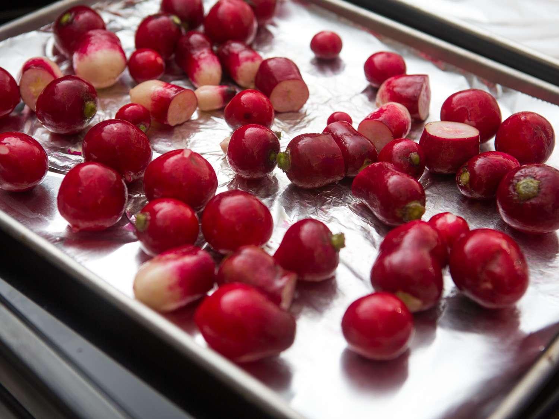 20151202-roasted-radishes-vicky-wasik-004.jpg