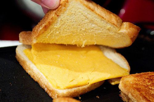 20100625-cheese-tasting-no-melty.jpg