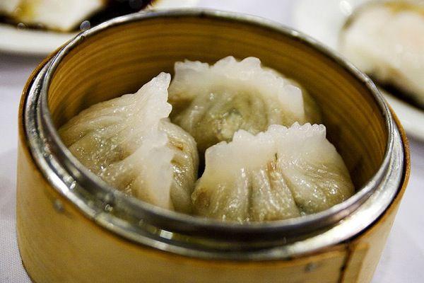 Chiu-chao fan guo (steamed dumpling with pork, shrimp, and peanuts)