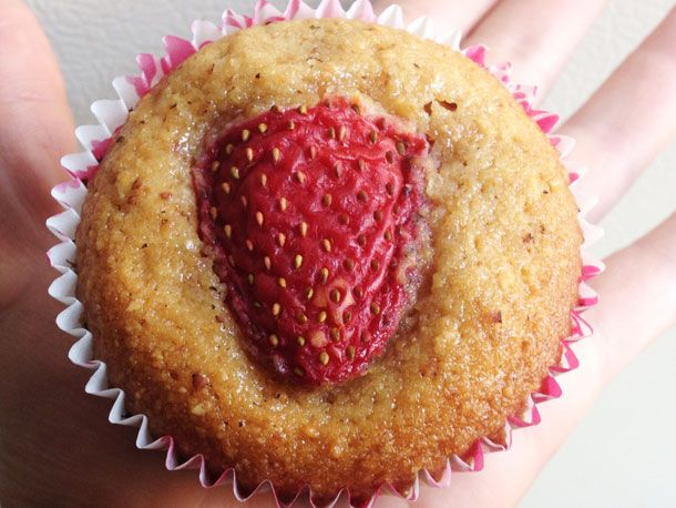 20130422-toasted-almond-strawberry-friands.jpg