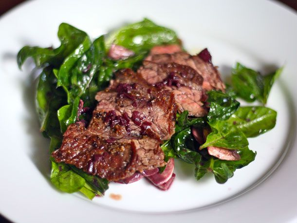 skirt steak and spinach salad