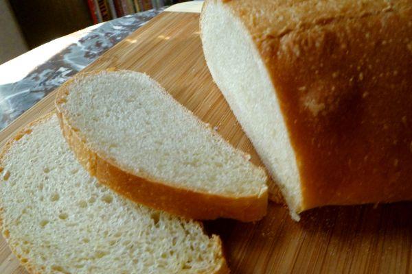 20101209 starer-along-sourdough-bread.JPG