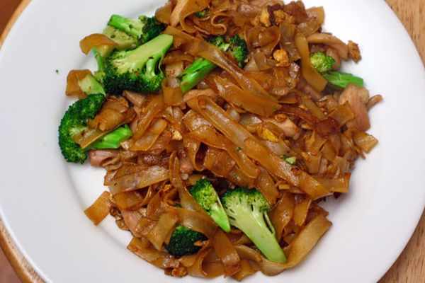 20111211-127355-dinner-tonight-pad-see-ew-primary