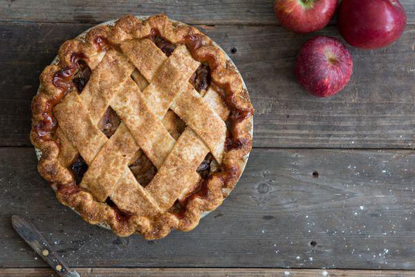 20121114-threebabes-apple.jpg