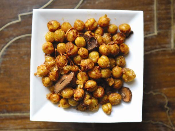 20111028-177140-smoky-fried-chickpeas.jpg