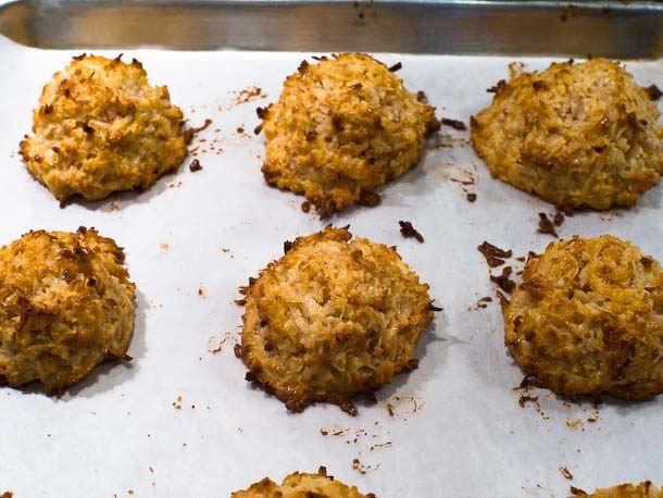 baked sweetened macaroons
