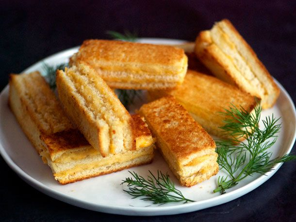 20121217-127677-Sandwiched-Party-Sandwich-PRIMARY.jpg