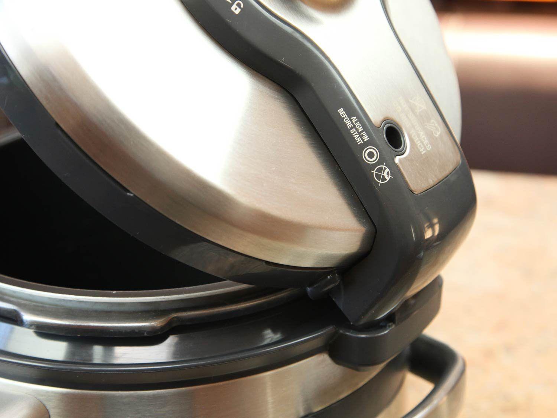 Breville Fast Slow Pro's lid placement