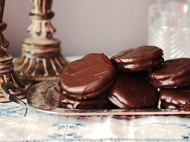 20111118-127677-Dulces-Alfajores-Chocolate-PRIMARY.jpg