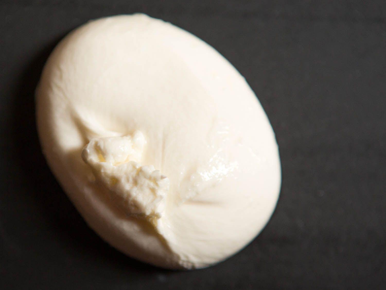 20140819-cheese101-imported-mozzarella-1.jpg
