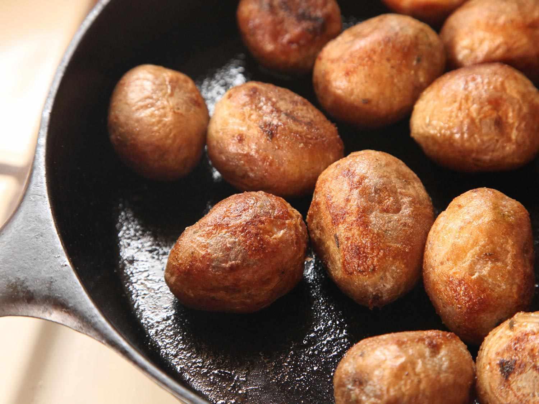 20141116-salt-roasted-potatoes-recipe-07.jpg