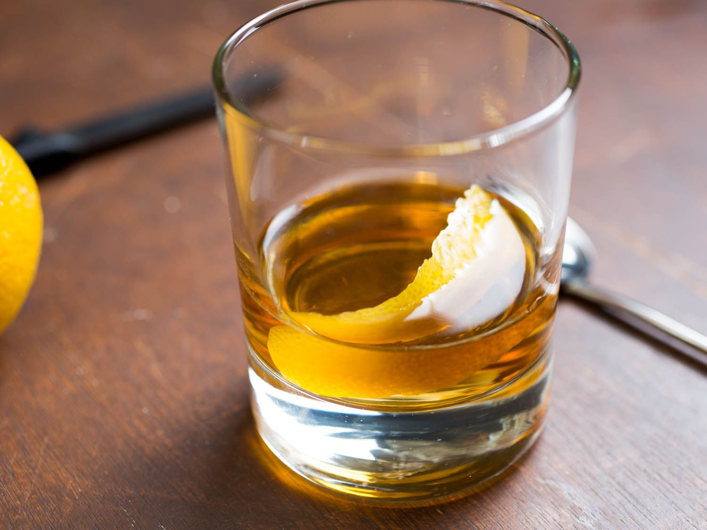 20160201-rye-cocktail-recipes-roundup-08.jpg