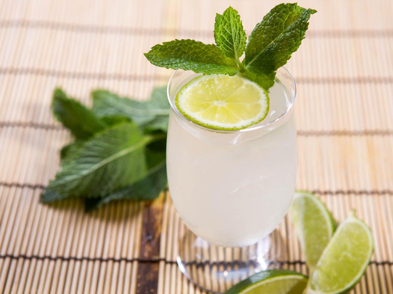 20140616-summer-drinks-around-the-world-nam-manao-vicky-wasik-6.jpg