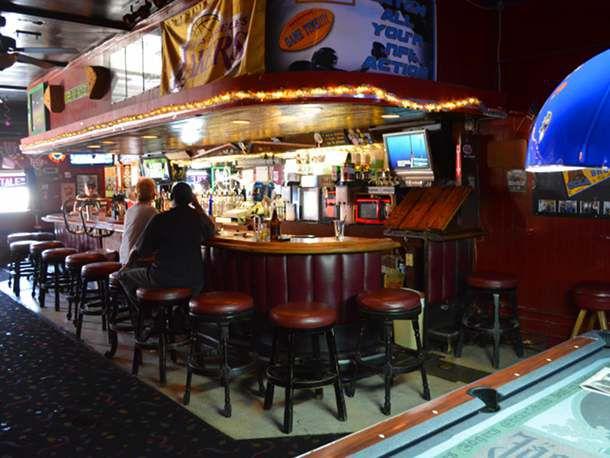 130813-263472-LA-Dive-Bar-Tattle-Tale-Bar.jpg