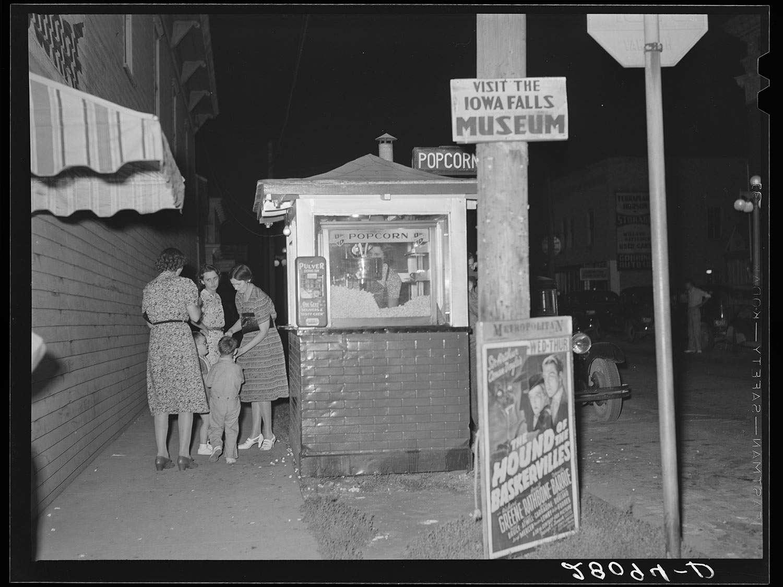 archival photograph of a popcorn stand. Iowa Falls, Iowa, 1939
