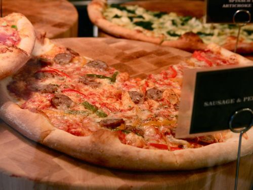 20110801-good-stuff-eatery-we-the-pizza-spike-mendelsohn-washington-1.jpg