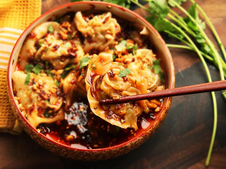 Sichuan-Style Wontons in Hot and Sour Vinegar and Chili Oil Sauce (Suanla  Chaoshou) Recipe