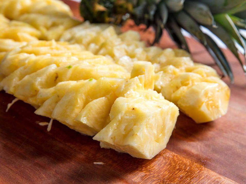 20180622-cut-pineapple-vicky-wasik-1--2