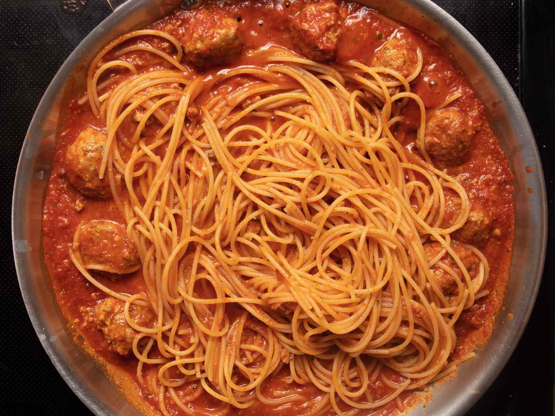 20210118-spaghetti-meatballs-vicky-wasik-18