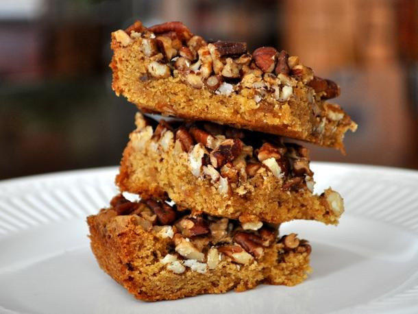 cookiemonster-pecan-caramel-squares.JPG