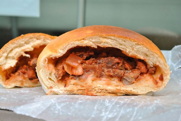20141001-chinese-bakery-sweets-roast-pork-bun-baked.jpg