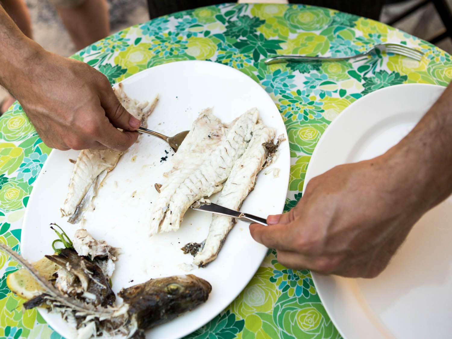 20140708-how-to-serve-whole-fish-vicky-wasik-29.jpg